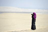 Photographer, Arab woman in t...