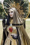 Drag queen Abajur, dressed ar...