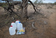 Water and food for Mexican mi...