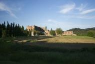 Italy, Tuscany, View of Abbaz...