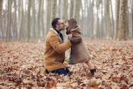 Father kissing his daughter i...