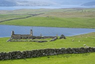Remains of croft, abandoned d...