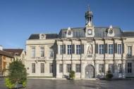 17th century H�tel de Ville /...