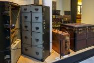 Vintage suitcases and emigran...