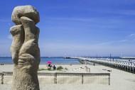 Sculpture group De verzoening...